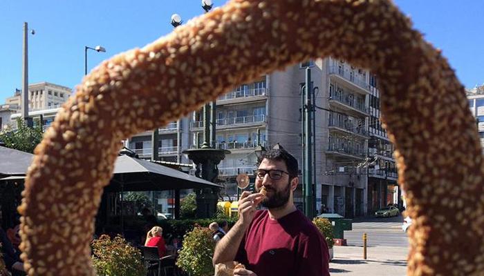 Ο Νάσος Ηλιόπουλος στους δρόμους της ηλιόλουστης Αθήνας (φωτογραφίες)