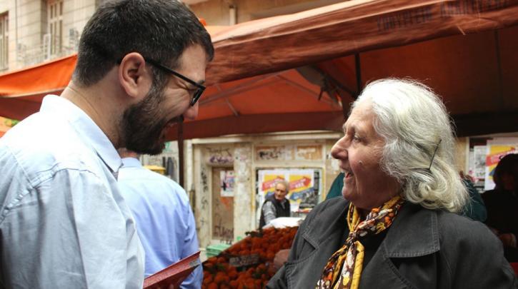 «Στη δική μας Αθήνα δεν υπάρχουν διακρίσεις»: Σε Γκύζη και Εξάρχεια ο Νάσος Ηλιόπουλος