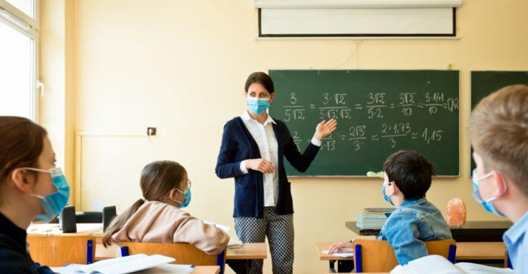 Ανακοίνωση της Ανοιχτής Πόλης για το άνοιγμα των σχολείων σε συνθήκες πανδημίας.